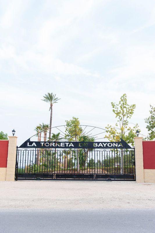Puerta Finca La Torreta de Bayona