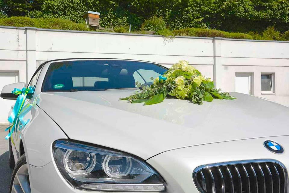 Beispiel: Autodekoration, Foto: Le langage des fleurs.