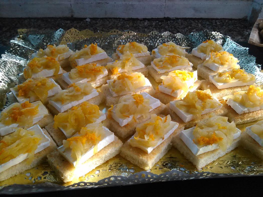 crostini de brie a la naranja