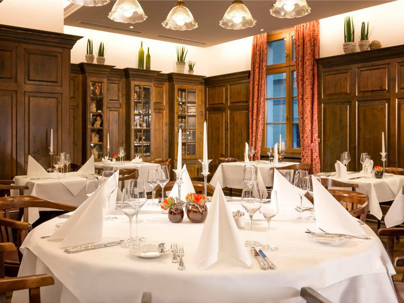 Beispiel: Restaurant Bettina von Arnim - Bankett, Foto: Dorint am Goethepark Weimar.