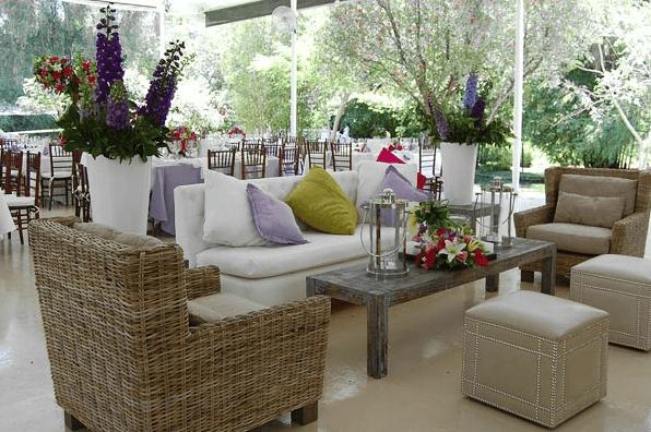 Montaje de boda estilo lounge al aire libre - Foto Paladares