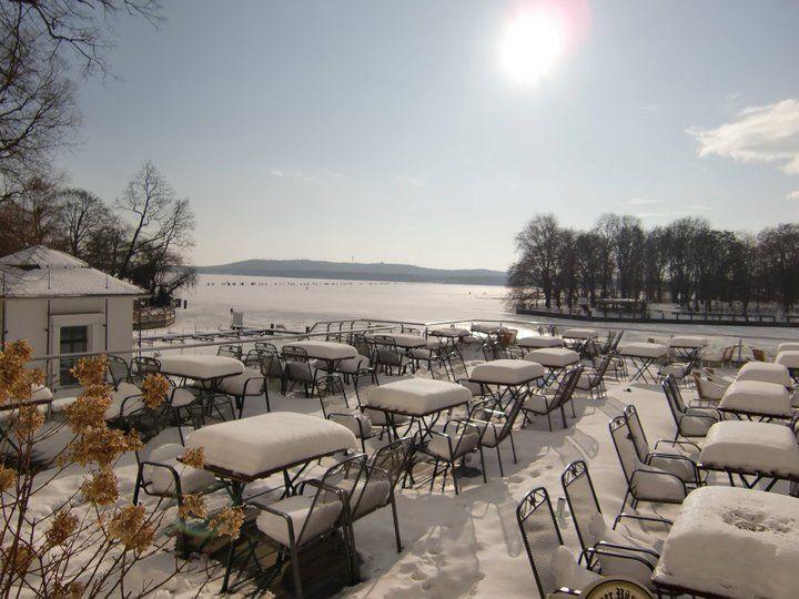 Beispiel: Terrasse im Winter, Foto: Weisse Villa.