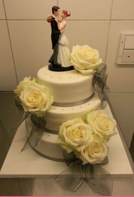 Beispiel: Hochzeitstorte, Foto: Konditorei Franziska Hobelsberger.