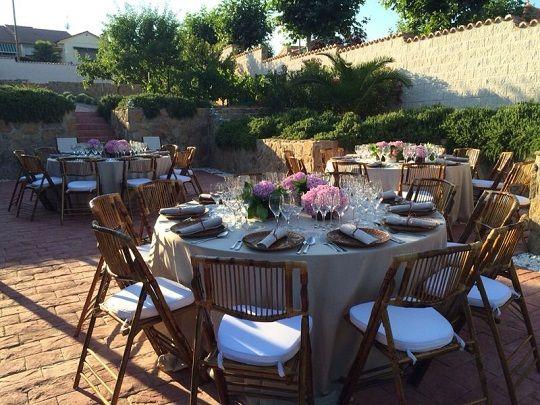 alquiler silla natural mantel bajoplato decoracion integra boda murcia alicante almeria granada