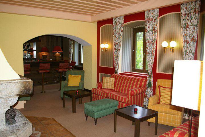 Beispiel: Hotelbar, Foto: Inselhotel Faakersee.
