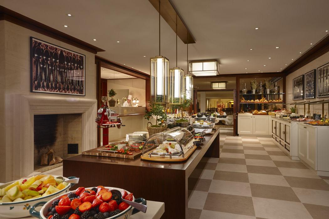 Beispiel: Frühstück, Foto: Hotel Adlon Kempinski.