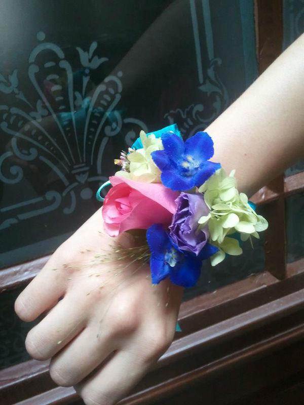 Beispiel: Blumen-Armband, Foto: Blumenstube Rath.