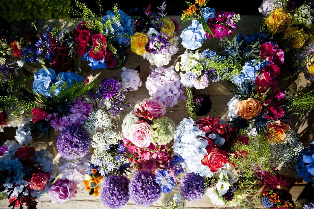 Colorido floral en la boda de María y Uri.