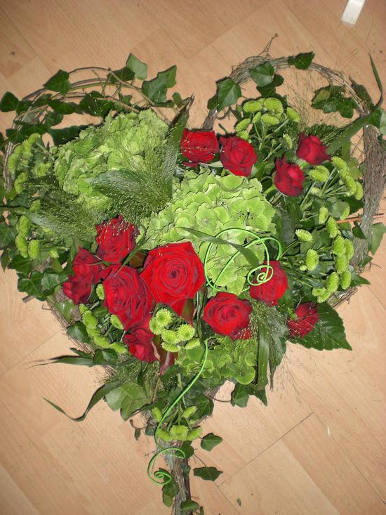 Beispiel: Hochzeitsfloristik, Foto: Bindekunst.
