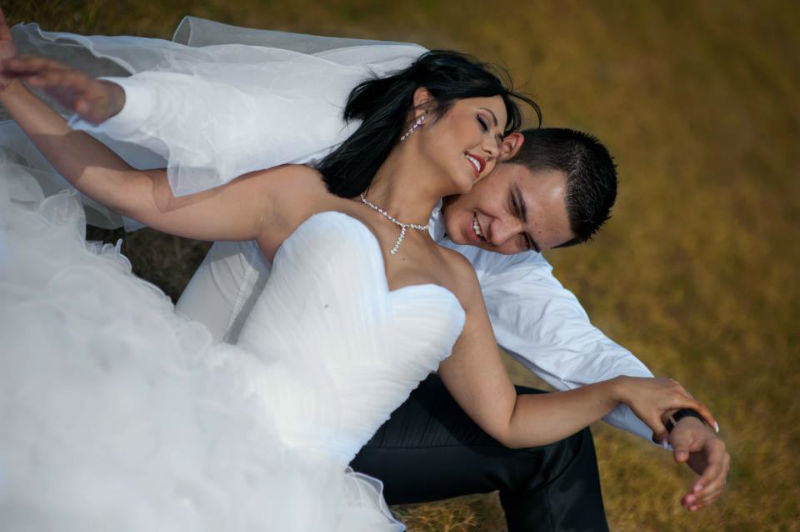 Beispiel: Professionelle Hochzeitsfotografie, Foto: Alex Jidovu.