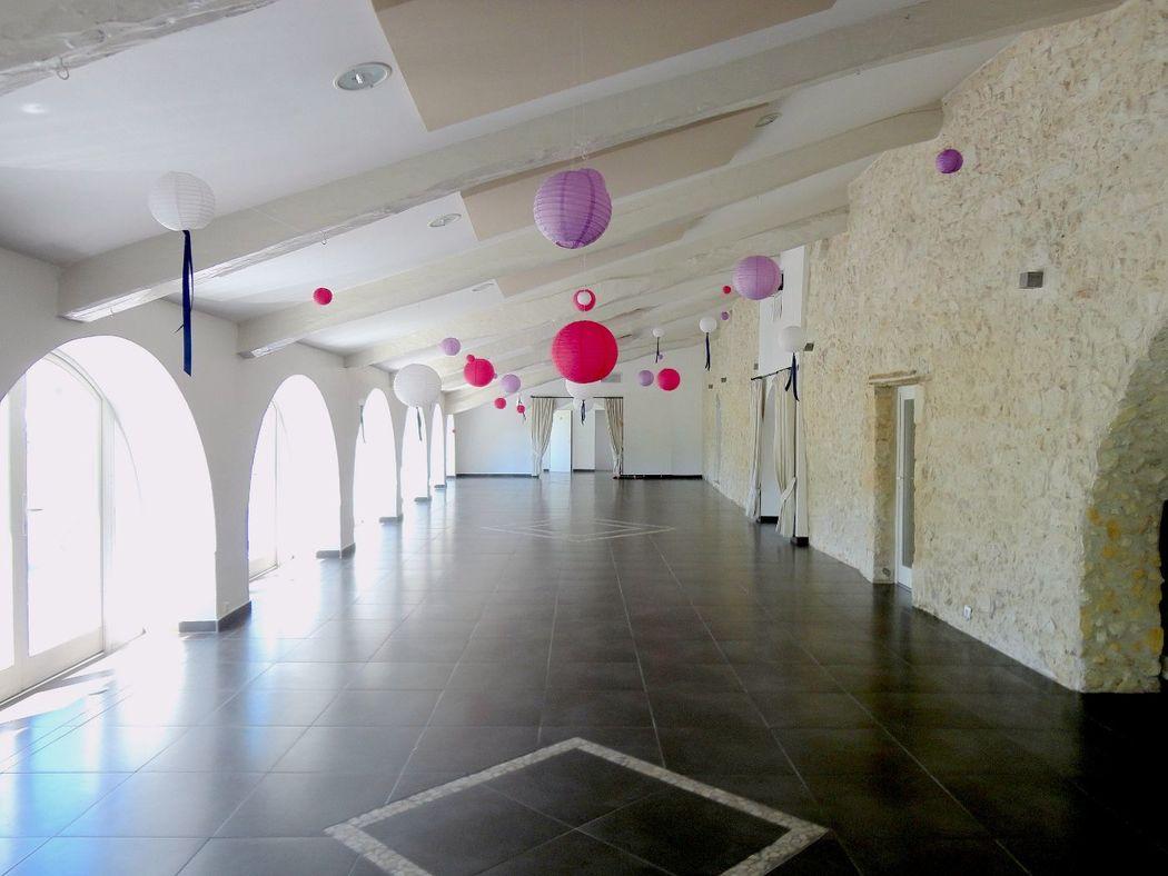 La salle Aliénor en préparation pour un mariage