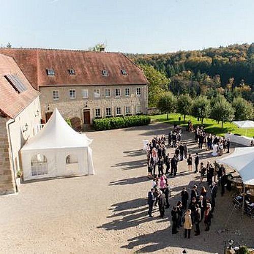 Beispiel: Schlosshof, Foto: Schloss Neuhaus.
