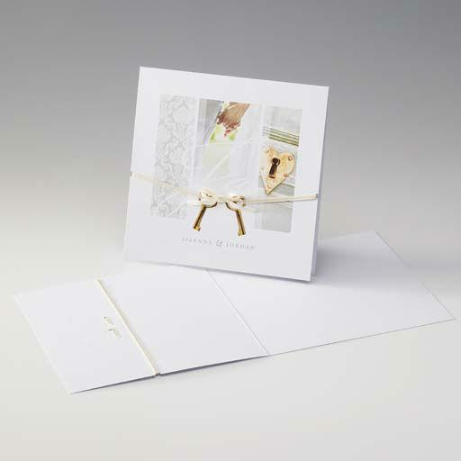 Beispiel: Hochzeitseinladung mit Motivdruck, Foto: Druckerei Rokos.