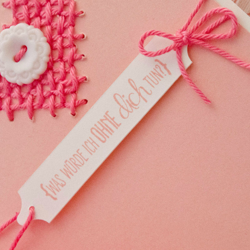 Beispiel: Hochzeitseinladung mit gesticktem Herz - Detail, Foto: Wertschatz.