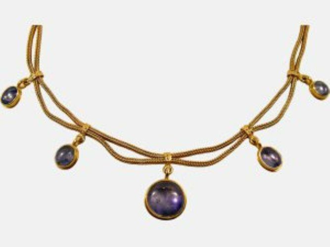 Beispiel: Halskette, Foto: Juwelier Anton Koppenwallner.