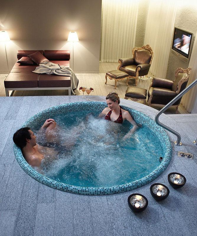Beispiel: Luxuriöse Zimmer, Foto: Tschuggen Grand Hotel Arosa.
