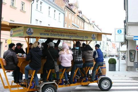 Beispiel: Erlebnistour mit dem BierBike, Foto: BierBike Regensburg.