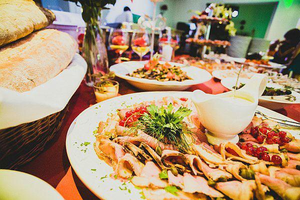 Beispiel: Kulinarische Köstlichkeiten, Foto: Hotel Restaurant Seeterrassen Wandlitzsee.