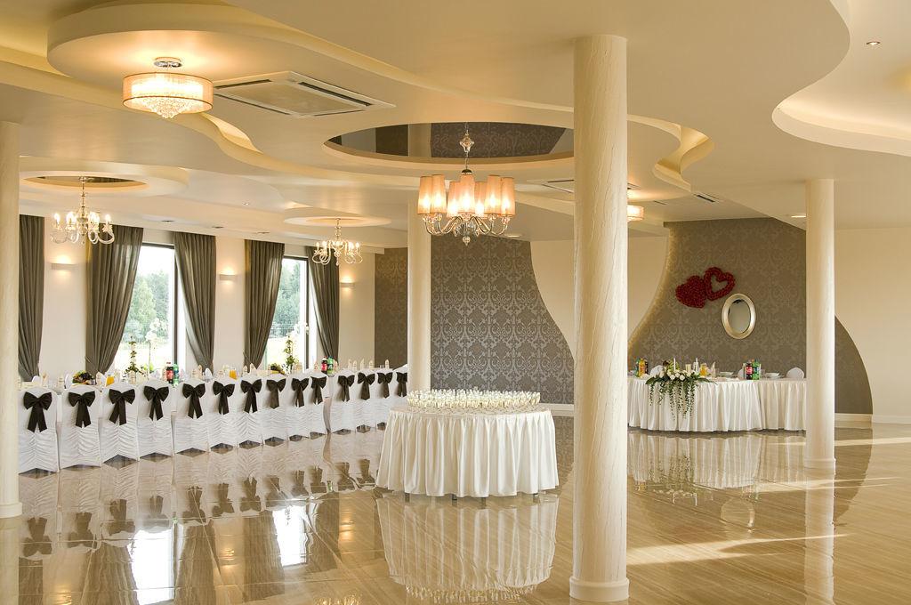 Przestronna sala weselna