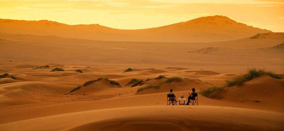 Apéritif dans les dunes du Sossusvlei - Little Kulala