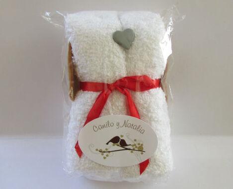Doggies de toalla. Suave toalla de algodón tamaño visita, con decoración de perrito.