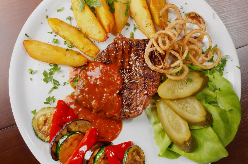 Beispiel: Gastronomie, Foto: Schloss Gastronomie Kaisergarten.