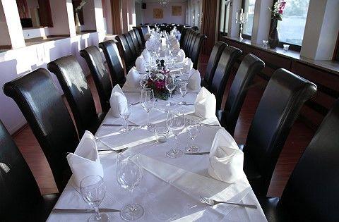 Beispiel: Festliche Hochzeitstafel, Foto: La Villa Henkenberg.