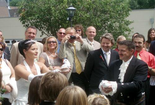 Beispiel: Der Hochlass, Foto: Hochzeitstauben.