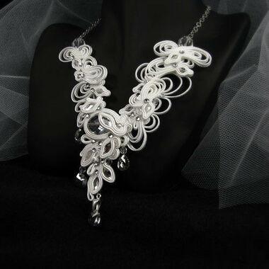 Małgorzata Sowa - PiLLow Design, Biżuteria ślubna sutasz. Naszyjnik - kryształ górski, kryształy Swarovski, srebro