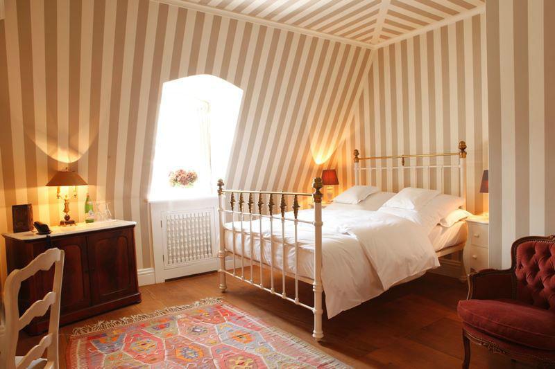 Beispiel: Zimmer braun, Foto: Schloss Gartrop.