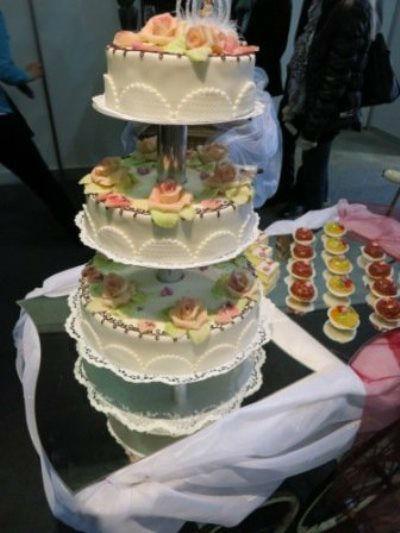 Beispiel: Individuelle Hochzeitstorten, Foto: monas-torten-art.ch.