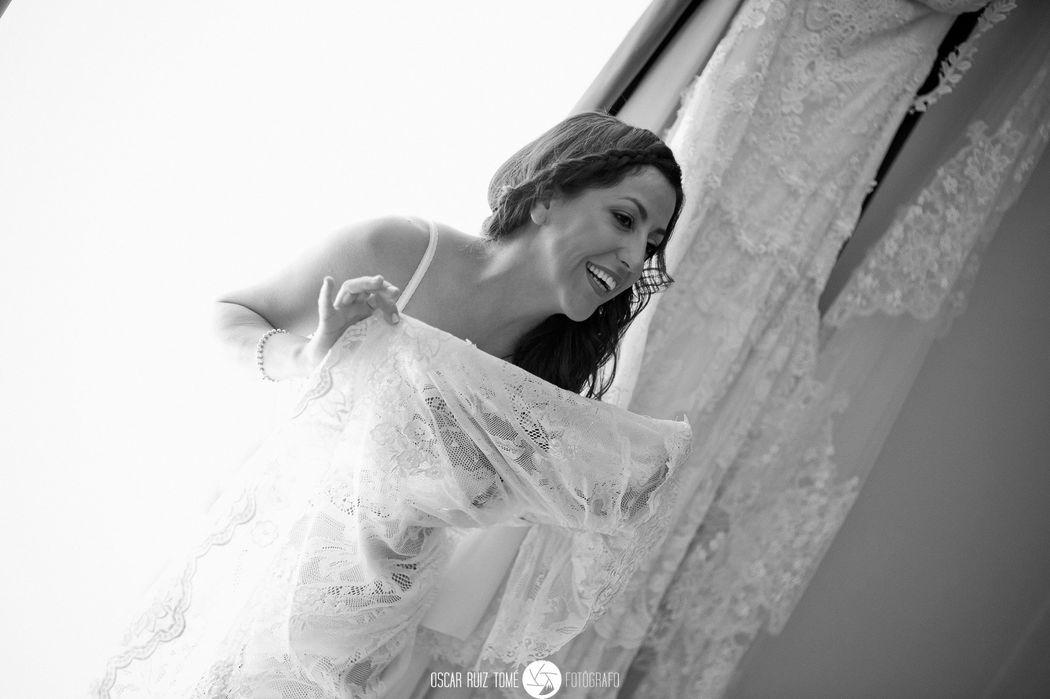 Oscar Ruiz Tomé, Fotógrafo de bodas, en casa