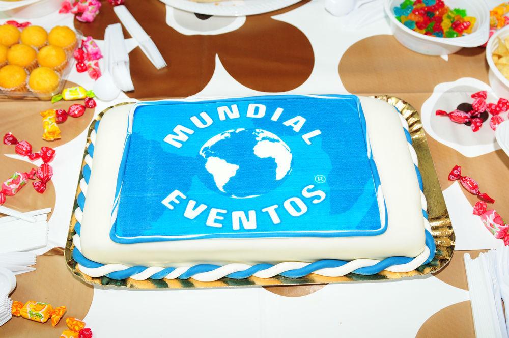Foto: Mundial Eventos ® – Festas à sua medida ®: Bolos Corporativos para Festas e Eventos Empresariais
