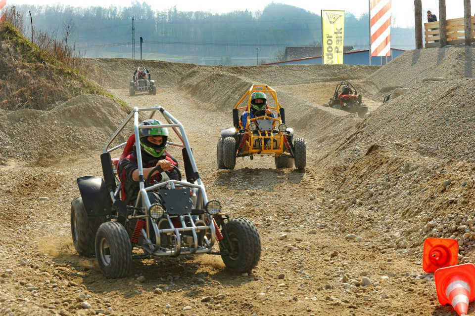 Beispiel: Offroad Karting, Foto: Karting Expodrom.