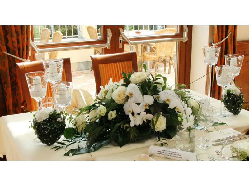 Beispiel: Tischdekoration Hochzeit, Foto: Borgböhmer's Waldesruh.
