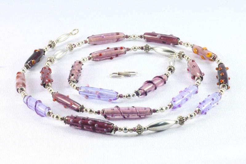 Beispiel: Schmuck - Halskette, Foto: Silber und Seide Brautmode.