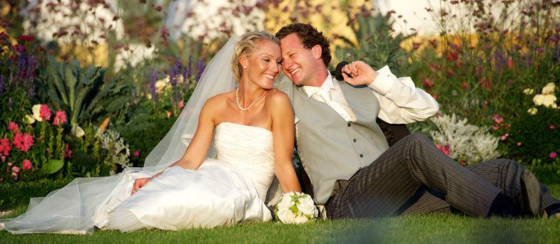 Beispiel: Glückliches Brautpaar, Foto: Schloss Hof.
