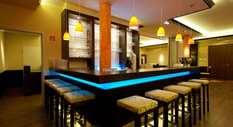 Beispiel: Lounge und Bar, Foto: Borgböhmer's Waldesruh.