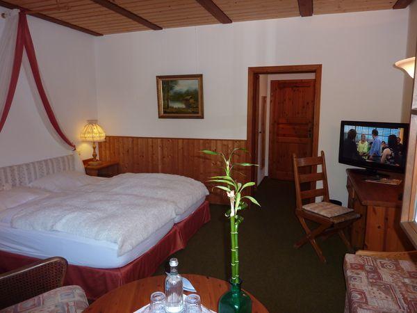 Beispiel: Zimmer, Foto: AKZENT Hotel Zur Wasserburg.