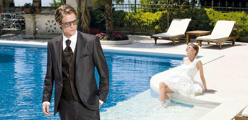 Beispiel: Modische Hochzeitsanzüge, Foto: K. For Men.