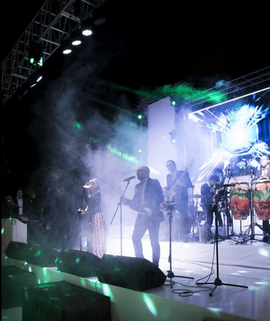 Beat Band actuando