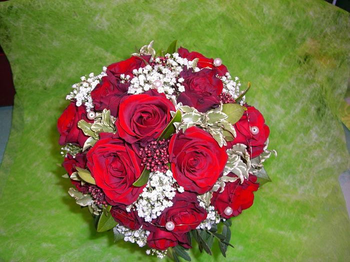 Beispiel: Einzigartige Brautsträuße, Foto: Blumen G. Bechstein.