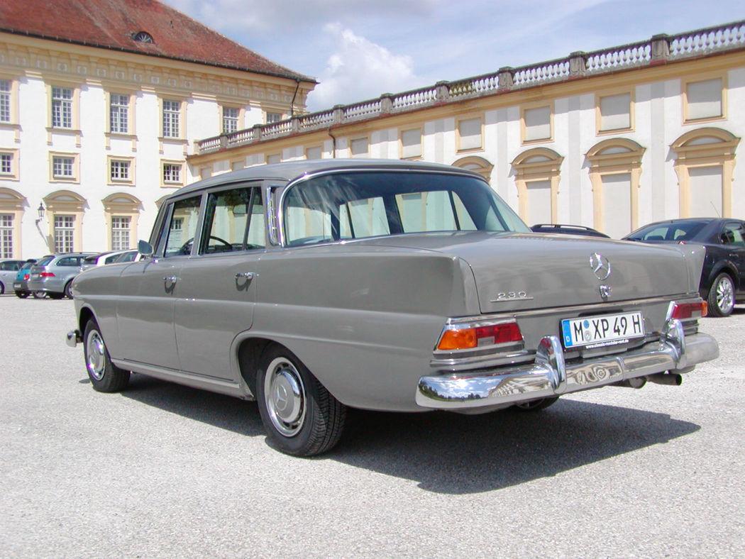 Ihr Hochzeitsauto zum Selberfahren: Mercedes Benz 230