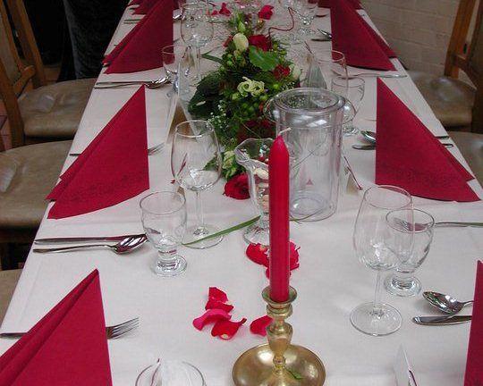 Beispiel: Hochzeitsgedeck, Foto: AKZENT Hotel Brüggener Klimp.