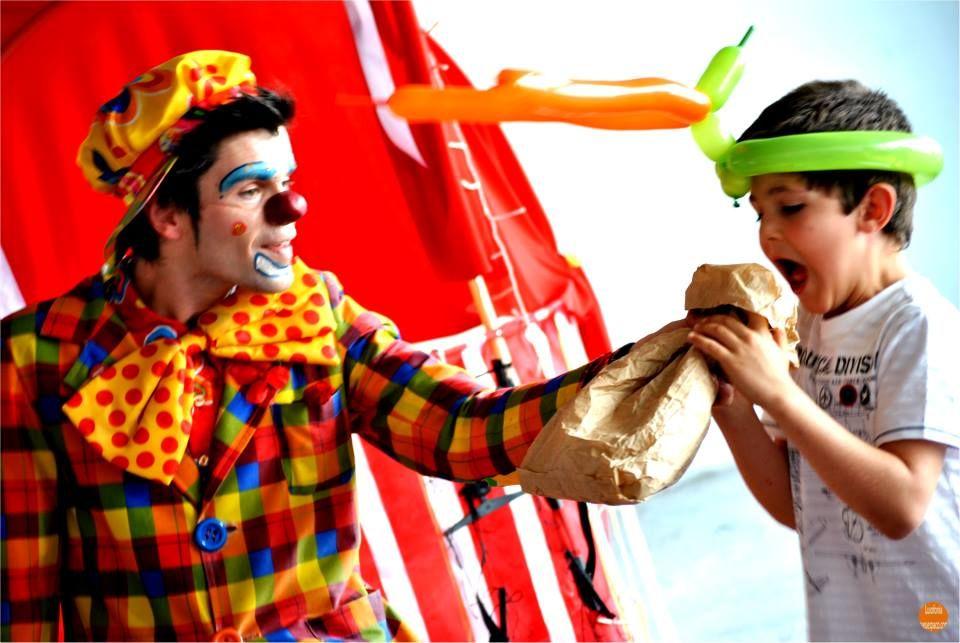 Mr.Milk - Espetáculos e Eventos  Magia clownesca
