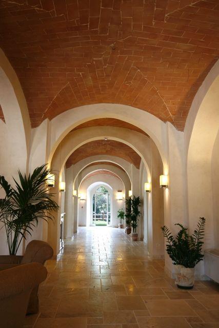 L'elegante hall dell'Hotel Certaldo (Toscana)