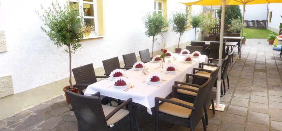 Beispiel: Terrasse, Foto: Hotel Schlosswirt.