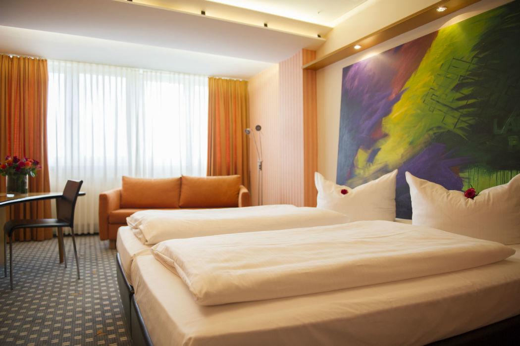 Beispiel: Hotelzimmer, Foto: Parkhotel Schmid.