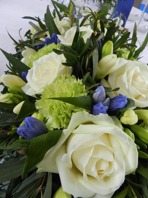 Fleurs bleues et blanches/Estelle Leclerc