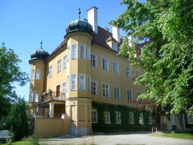 Beispiel: Außenansicht, Foto: Schloss Blumenthal.